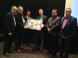 De gauche à droite: Dr Émile Lévy, Dr Pierre Julien (Président de la SQLNM), Dr Jean-Pierre Després, Dr André Caprentier (Lauréat), Dr André Tchernof, Dr Jean Bergeron.